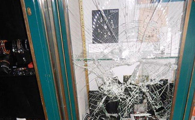 Hier ein versuchter Einbruch der Bande in ein Juweliergeschäft in Wiener Neustadt.