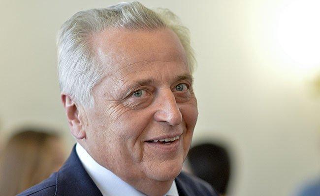Sozialminister Rudolf Hundstorfer ist vor der BP-Wahl aufgeregt