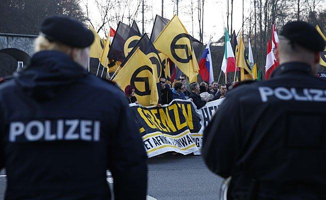 Bei einer Identitären-Demo in Graz kam es zu einer Rauferei