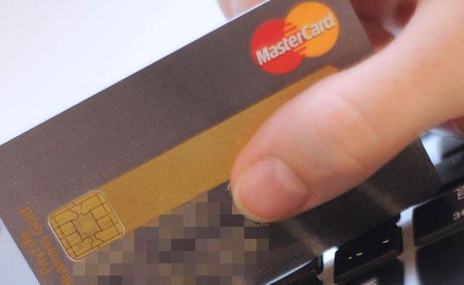 Shopping mit gestohlener Karte.