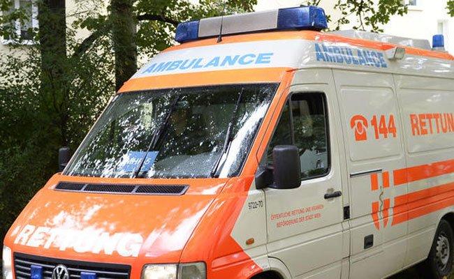 Der Schwerverletzte wurde geborgen und notfallmedizinisch versorgt.