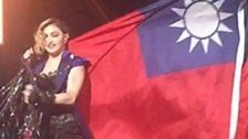 Madonna provoziert in China mit Flagge Taiwans