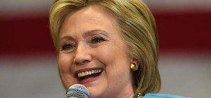 FBI bestätigt Ermittlungen in E-Mail-Affäre um Clinton