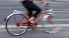 Radfahrerin kollidierte mit Pkw in Neubau
