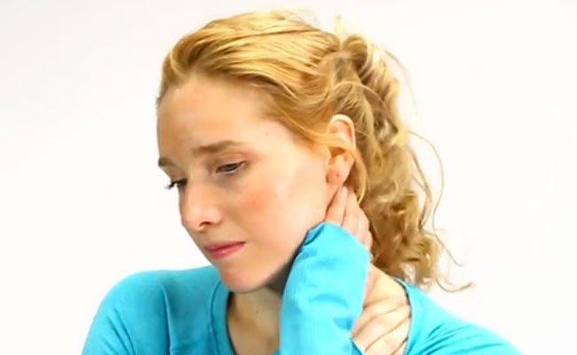 Was hilft gegen Nackenschmerzen?