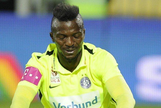 Austrias Kayode wurde nun vom Strafsenat für ein Spiel gesperrt.