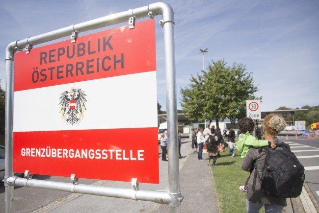 Die Politik reagiert auf die Notwendigkeit zur Integration der Flüchtlinge.