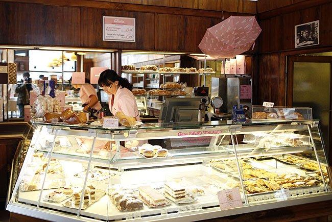 """In eine Filiale der """"Aida"""", der größten Kaffeehaus- und Konditoreikette der Stadt Wien, wurde eingebrochen"""