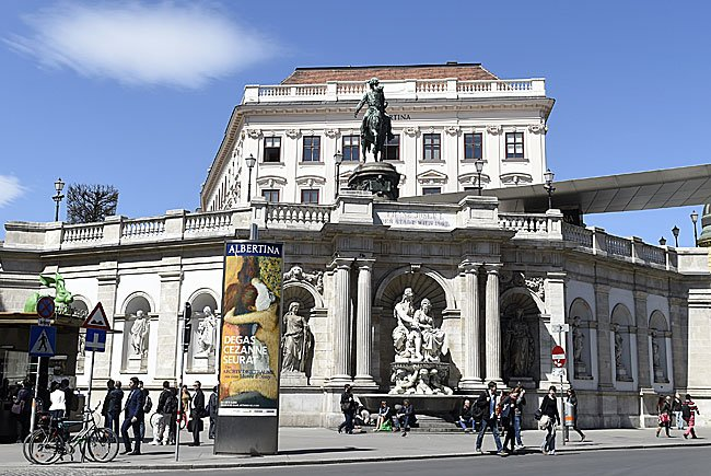 """Die Albertina zeigt die Ausstellung """"Chagall bis Malewitsch - Die russischen Avantgarden"""""""
