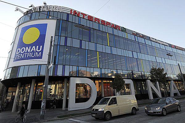 In einem Lift im Donauzentrum wurde eine Frau attackiert und verletzt