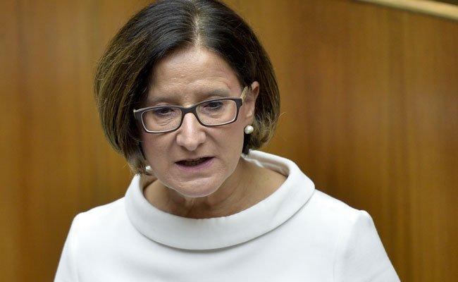 """Beim Neffentrick """"handelt es sich nicht um ein Kavaliersdelikt"""", betonte Innenministerin Johanna Mikl-Leitner"""