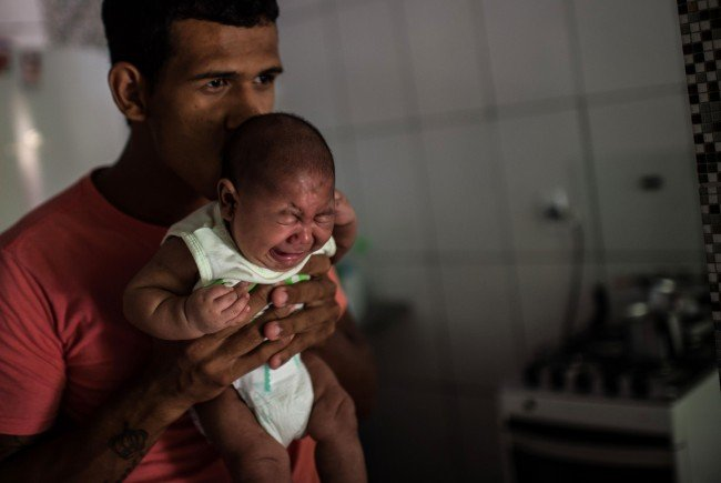 Zika-Virus - Zum Arzt bei Symptomen nach Reiserückkehr