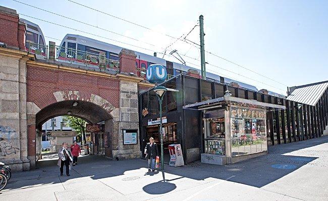 25-Jähriger und 16-Jähriger bestahlen Passanten bei der U6-Station Thaliastraße