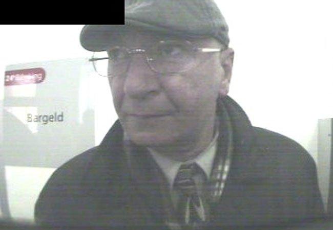 Die Polizei fahndet nach diesem Mann.