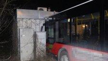 Bus-Unfall in Simmering: Sechs Fahrgäste verletzt