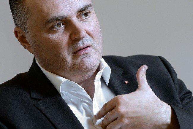 Der neue Verteidigungs- und Sportminister Doskozil im Interview.