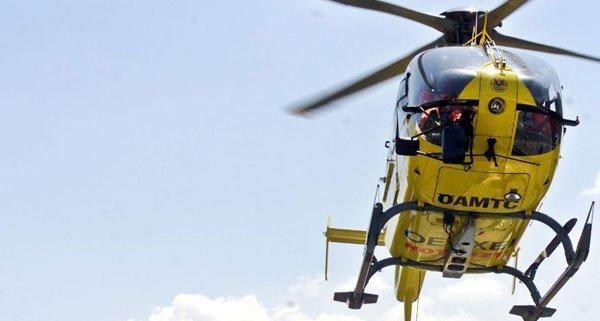 Der verletzte Arbeiter wurde per Hubschrauber in ein Krankenhaus geflogen.