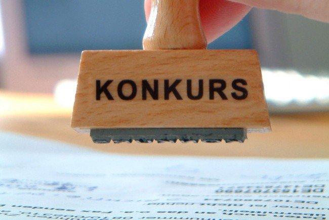 33 Dienstnehmer betroffen - Passiva von rund 2,3 bis knapp 2,5 Mio. Euro Auf Sanierungen