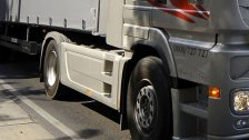 Lkw rammte auf der A3 einen Polizeiwagen