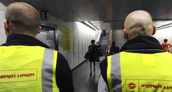 Wien-Rudolfsheim: Mann verletzt nach Fahrkartenkontrolle Polizisten