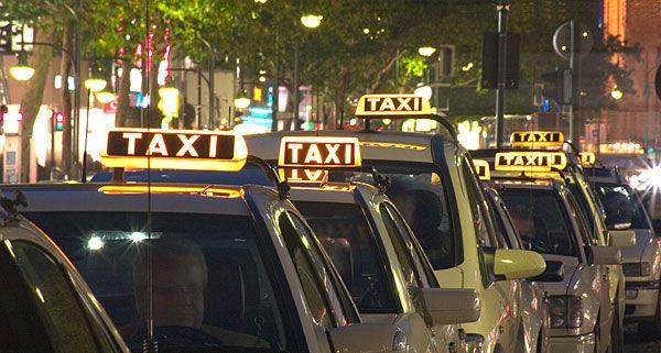 Wien – Favoriten: Taxifahrer attackierten Kollegen