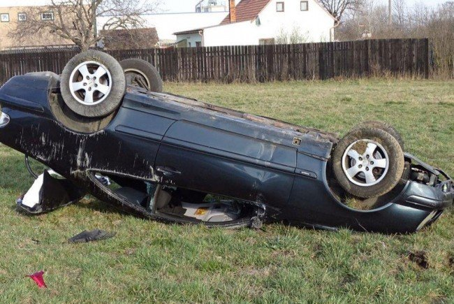 Eines der Unfallautos in Ternitz.