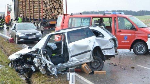 Überholmanöver führte zu einem schwerem Unfall im Waldviertel