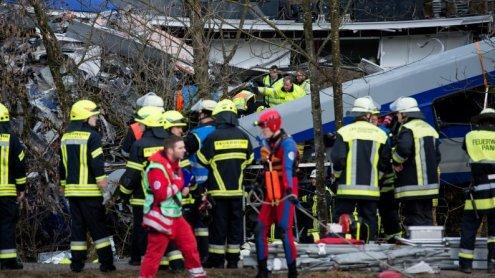 Schweres Zugunglück in Bayern: Zahl der Todesopfer steigt auf 8