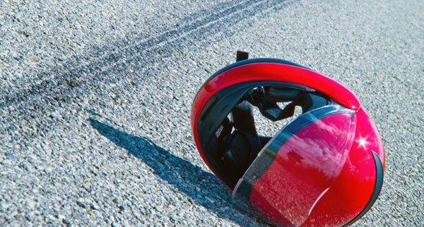Der Motorradfahrer wurde bei dem Zusammenstoß verletzt.