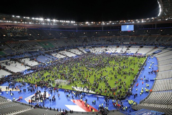 Das Stade de France nach den Explosionen am 13. November.