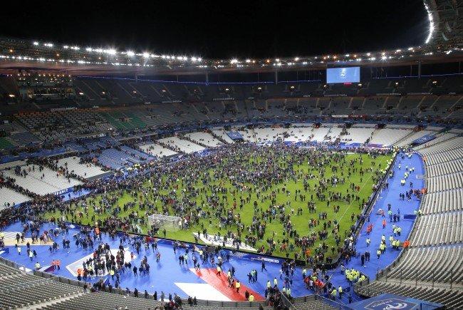Zumindest einer der Paris-Attentäter versuchte, ins Stade de France zu gelangen, um dort eine Bombe zu zünden.
