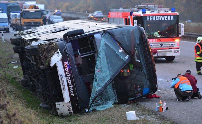 Der Buslenker wird nach dem Unfall in Thüringen angeklagt.