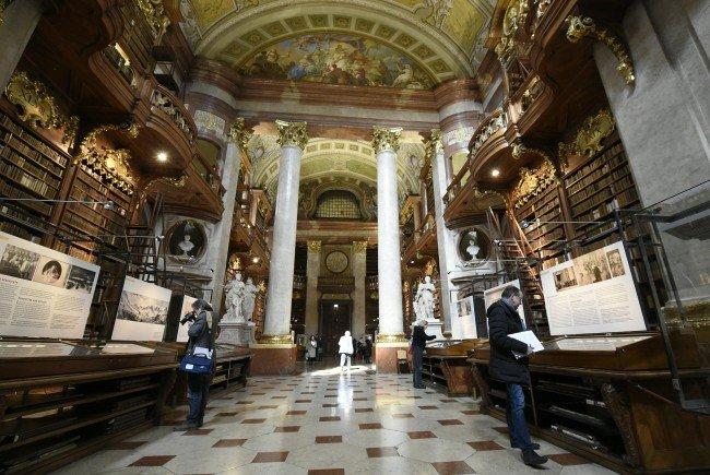 """Ab heute ist im Prunksaal der Nationalbibliothek die Shau """"Der ewige Kaiser"""" zu sehen."""