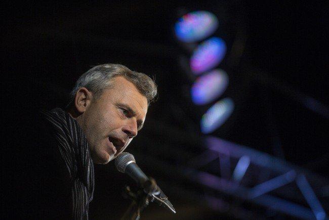 BP-Wahl: FPÖ-Kandidat Hofer geht mit Bargeld-Petition auf Stimmenfang