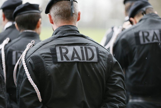 Die französische Polizei simuliert am 17. März einen Terrorangriff auf eine EM-Fanzone.