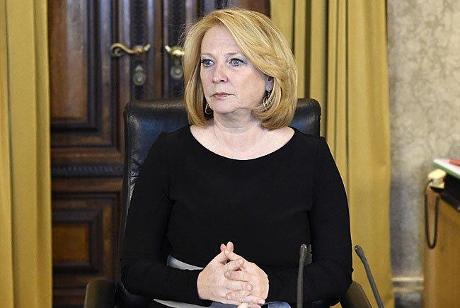 Nationalratspräsidentin Doris Bures (SPÖ) wandte sich in der aktuellen Debatte an die BP-Kandidaten