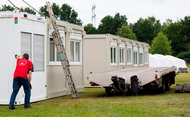 In solchen Containern werden die Flüchtlinge untergebracht.