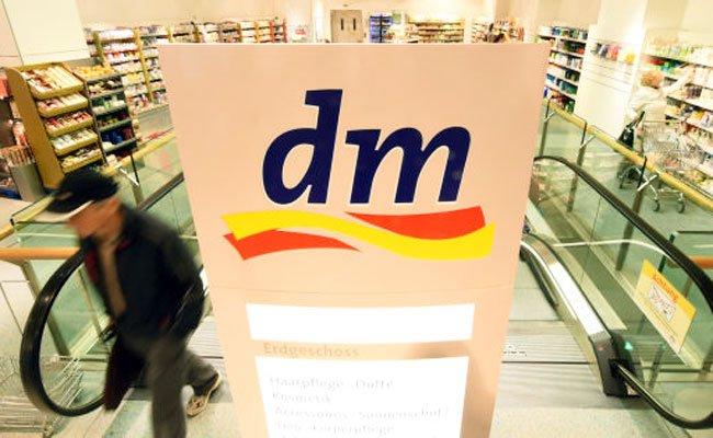 """Der Drogeriemarkt """"dm"""" ruft seine Sportness Eiweißriegel zurück."""