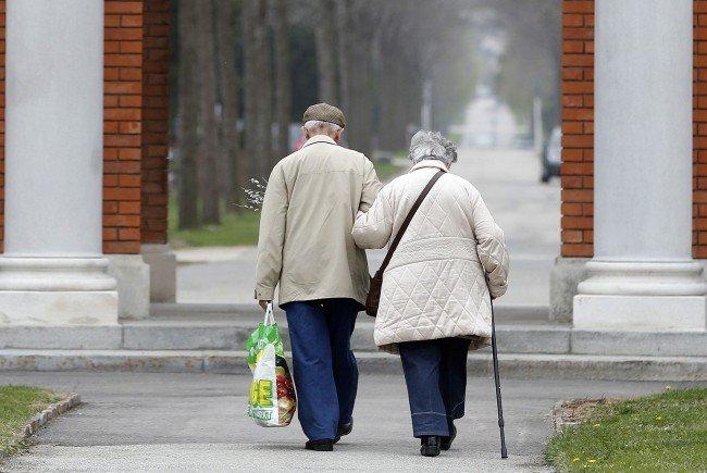 Senioren über 85 wird bei der Bawag eine Kreditkarte verboten.