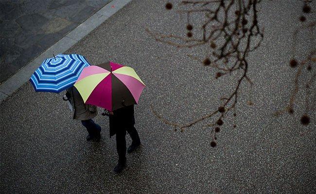 Den Regenschirm sollte man am Wochenende nicht daheim vergessen
