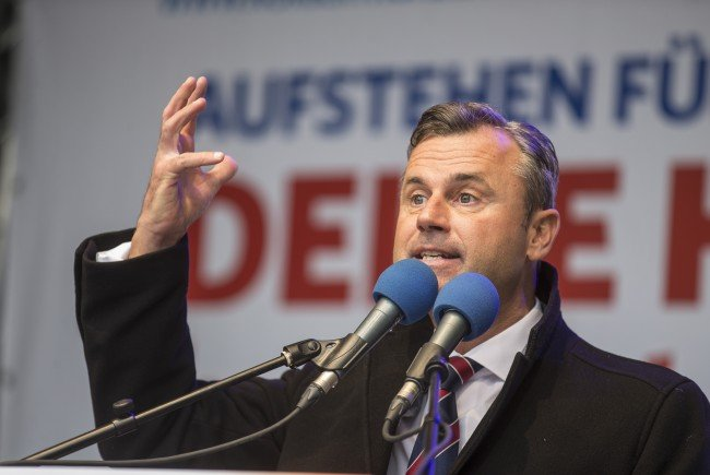 """Nobert Hofer ist für ein Burka- und Kopftuchverbot """"im öffentlichen Raum""""."""
