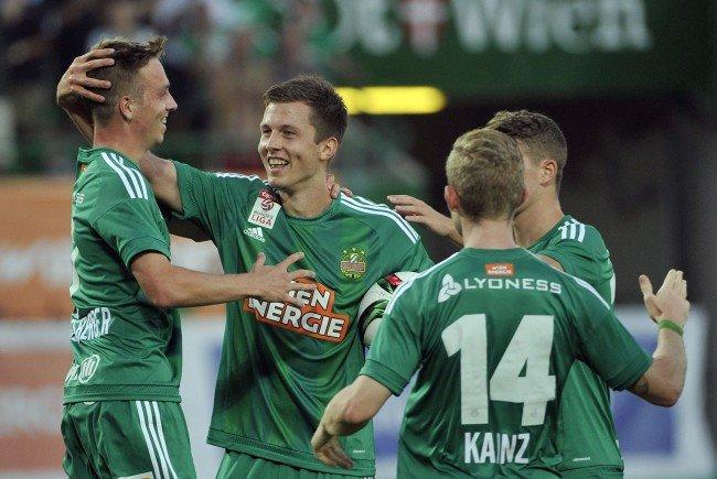 Rapid-Stürmer Deni Alar (mitte) wird im Sommer nach Graz wechseln.