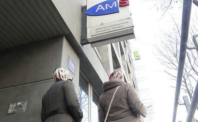 Die SPÖ und ÖVP halten nichts von Hofers AMS-Idee.