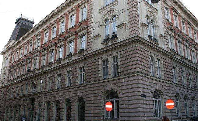 Die Geschichte der Stadt findet sich auch in den Straßennamen des 15. Bezirks