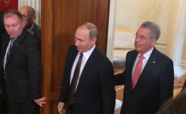 Fischer auf Besuch beim russischen Präsidenten Wladimir Putin in Moskau.