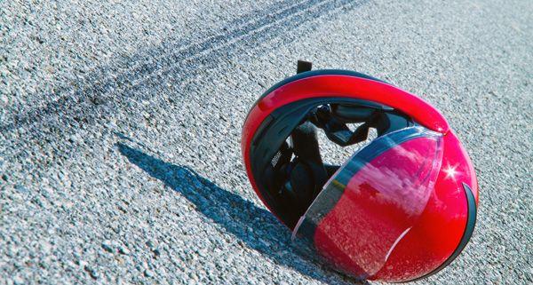 Motorradfahrer in Wien-Liesing gestürzt und schwer verletzt