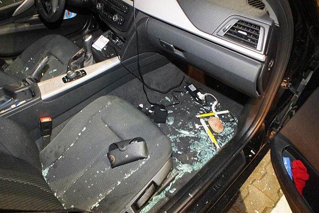 In dieses Auto wurde eingebrochen