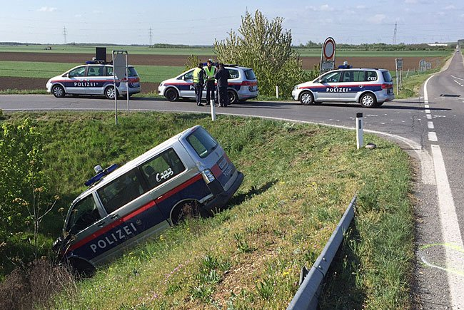 Nach dem Verkehrsunfall in Nickelsdorf (Bezirk Neusiedl am See)