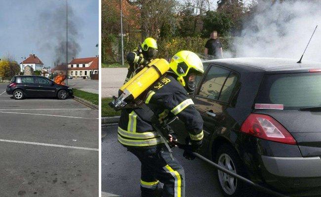 Die FF Bad Erlach konnte den Fahrzeugbrand rasch löschen.