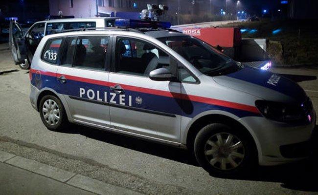 Der Man wurde von der Polizei festgenommen.